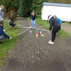 2019-10_outdoor-teamspiele_auszubildenden-teambuilding-workshop_07